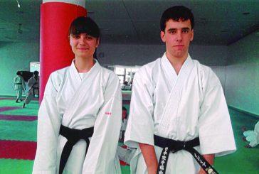 Dos nuevos cinturones negros para Kárate El Puy