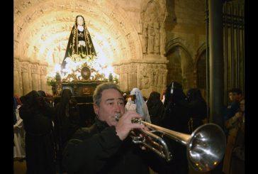 El Traslado de la Dolorosa inauguró la Semana Santa en Estella