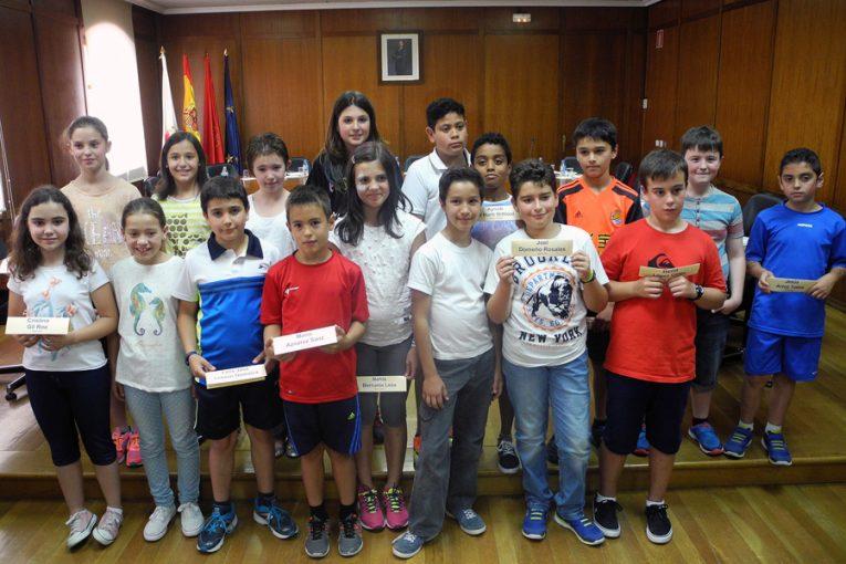 Después de seis mandatos masculinos, Laura Pinillos, alcaldesa txiki 2015
