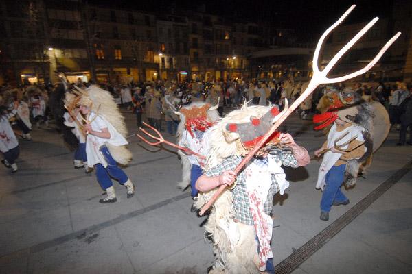 Los personajes del Carnaval rural pasearon por Estella