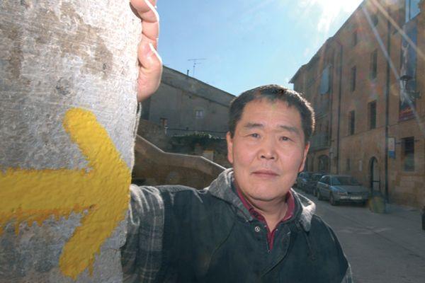 """""""Los peregrinos coreanos me identifican y no puedo dejarlos solos"""""""
