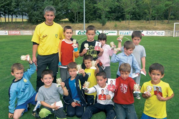 La fiesta del Fútbol Base reunió en Villatuerta a 1.500 personas