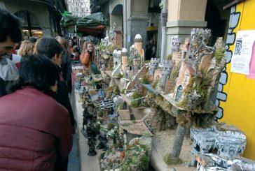 Un mercado contribuye al espíritu navideño en Estella