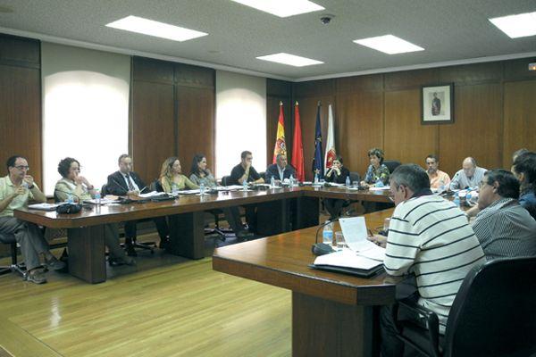 Unanimidad en el pleno contra el recorte de fondos al Ayuntamiento