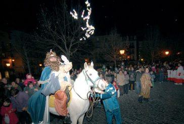 Los Reyes Magos pasaron por Estella para saludar a los niños y niñas