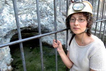 """María Napal: """"La espeleología permite investigar en campos como  la geología o la hidrología'"""