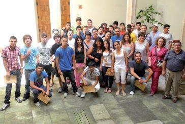 Los alumnos de la Escuela Taller reciben el diploma tras dos años de estudios