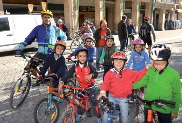 Las bicicletas toman las calles de Estella
