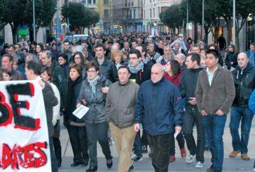 1.500 personas se manifestaron contra la destrucción de empleo  en la comarca