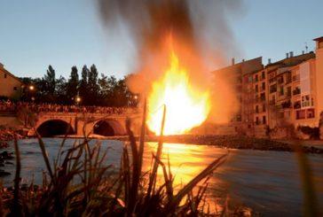 Fuego, velas y teatro en honor de San Pedro