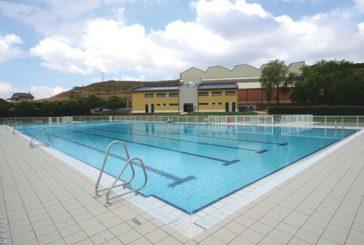 Arróniz estrena los vestuarios de las piscinas municipales