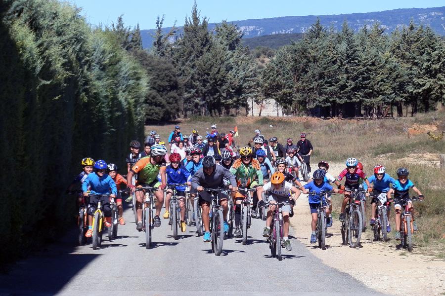 El mayor número de participantes optó por la etapa en bicicleta desde Antoñana (Álava) hasta Ancín.