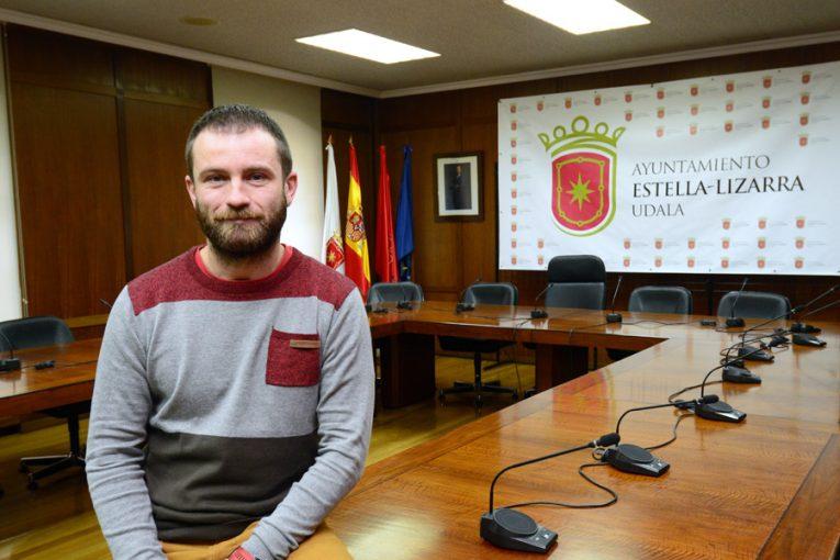 """PRIMER PLANO – Koldo Leoz – Alcalde de Estella – """"Estudiamos una menor  presión fiscal para fomentar  la instalación de nuevos  negocios"""""""