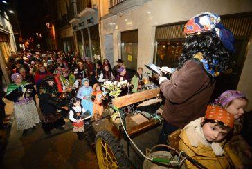 Caldereros y personajes del Carnaval Rural abrieron camino al variopinto