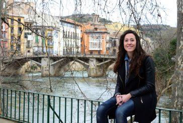 """PRIMER PLANO – Marta Astiz – PRESIDENTA DEL ÁREA DE COMERCIO Y TURISMO DEL AYUNTAMIENTO DE ESTELLA-LIZARRA Y DEL CONSORCIO TURÍSTICO TIERRA ESTELLA. """"Tenemos que creernos lo que tenemos y dar a conocer nuestra ciudad"""""""