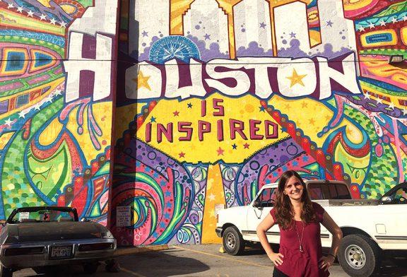 """TIERRA ESTELLA GLOBAL – Arantxa Gutiérrez De Carlos – Houston (EE.UU.) – """"Aquí puedo enseñar cualquier materia, desde preescolar hasta los últimos cursos de instituto"""""""