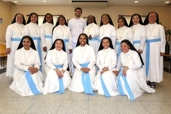 Villatuerta homenajea a las Hijas de Santa María de Leuca