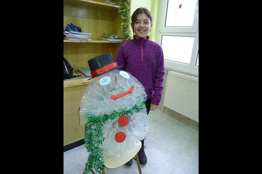 Ambientación navideña por todo lo alto en el colegio El Puy