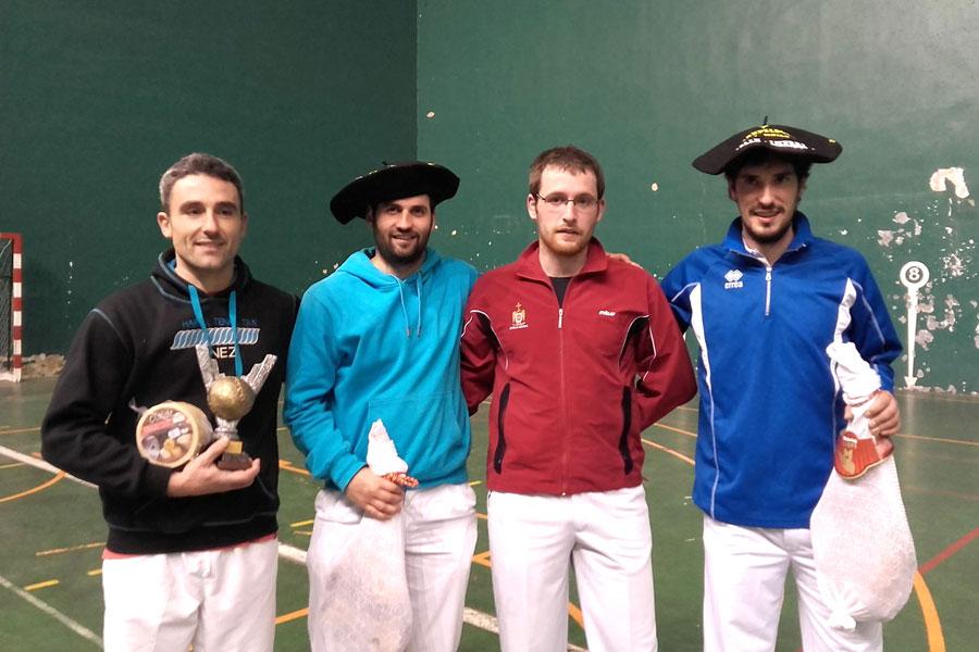 El frontón Lizarra acogió las finales del Torneo Olentzero