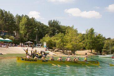 El embalse de Alloz  acogió la primera regata  oficial de traineras