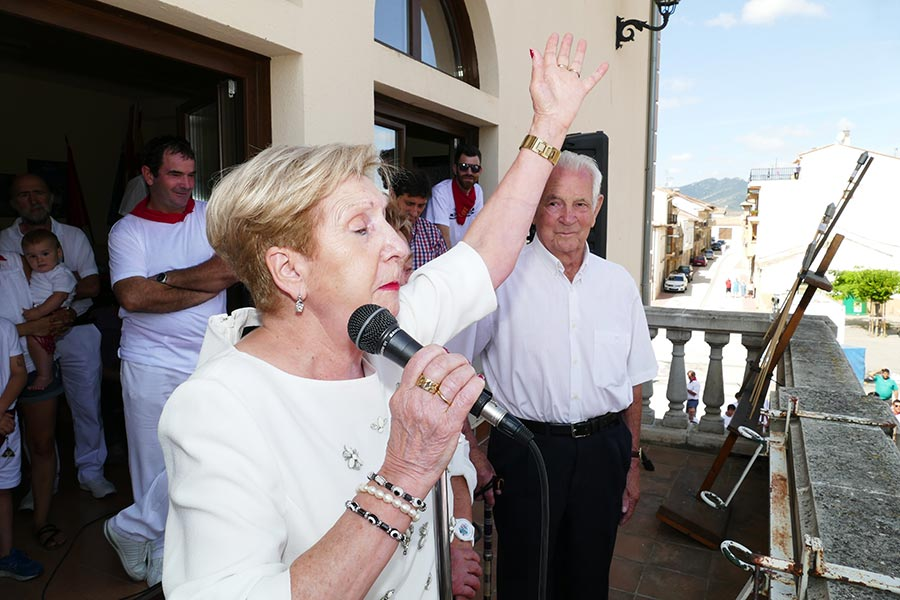 Encarna Arizala emocionó con sus palabras a los vecinos de Oteiza