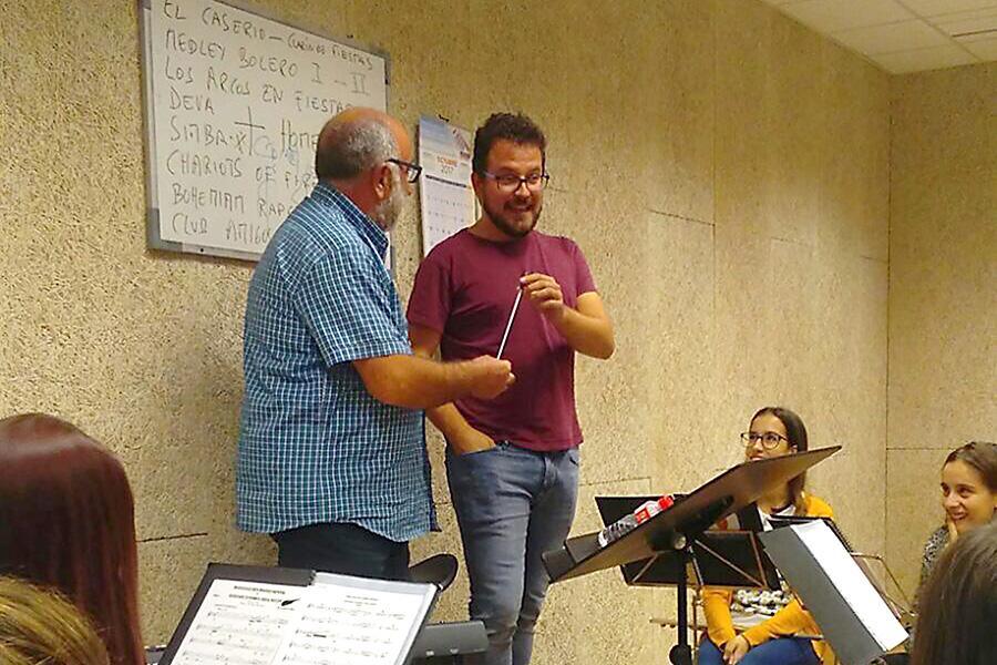 Isaac Irimia, nuevo director de la Unión Musical Estellesa