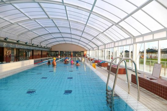 Las piscinas de Ayegui estrenan cubierta