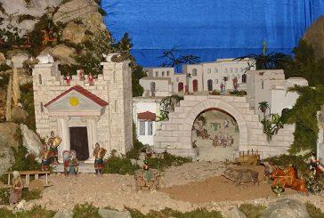 Azuelo exhibe su belén monumental