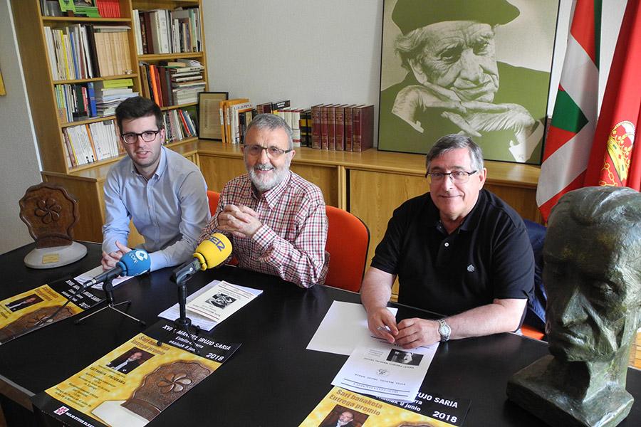 El médico forense Francisco Etxeberria recoge el XVIII Premio Irujo Etxea