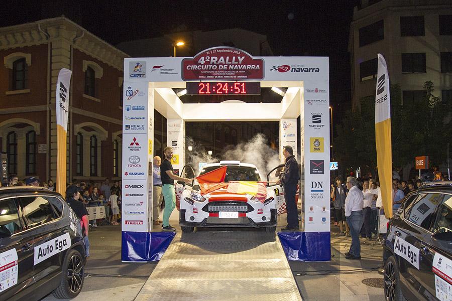 Espectacular inicio en Estella del IV Rally Circuito de Navarra
