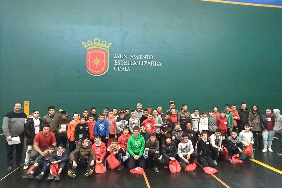Oier Zabaleta se alzó con el campeonato de pelota organizado por el IES Tierra Estella